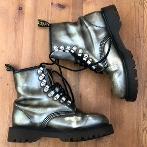 8217/34 Made In England Metallic/Brown Dr Martens